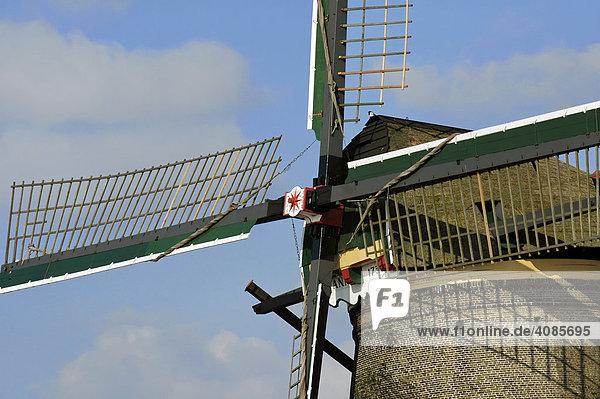 Kinderdijk bei Rotterdam Süd-Holland Niederlande denkmalgeschütze Mühlen Windmühlen auf dem Overwaard Polder