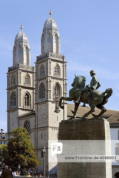 Großmünster Zürich über Denkmal Bürgermeister Waldmann Schweiz