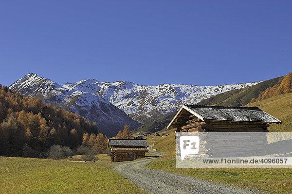 Hütten im Vallungtal (Ende des Rojentals)  Rojen  Südtirol  Italien