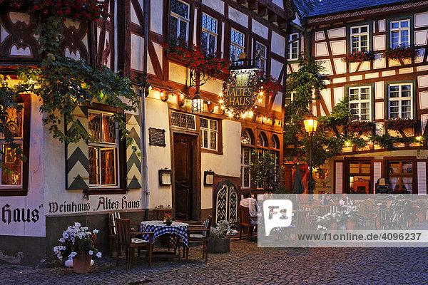 Gemütliches Restaurant genannt Altes Haus  Bacharach am Rhein  Rheinland-Pfalz  Deutschland