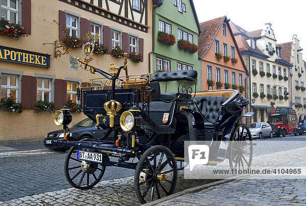 Oldtimer  Galgengasse  Rothenburg ob der Tauber  Bayern  Deutschland