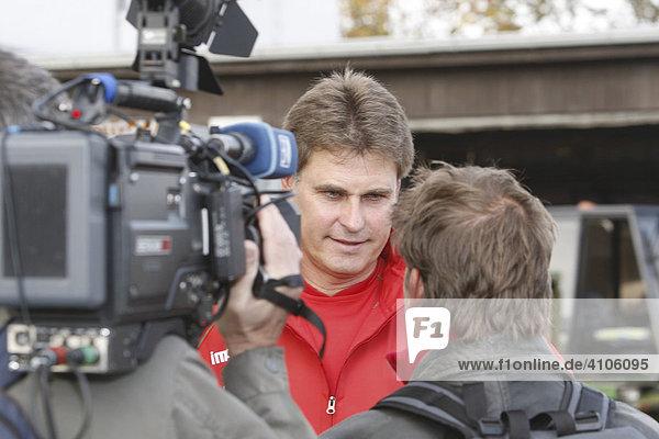 FC Augsburg stellt Ralf LOOSE als neuen Trainer vor,  Augsburg,  Bayern,  Deutschland