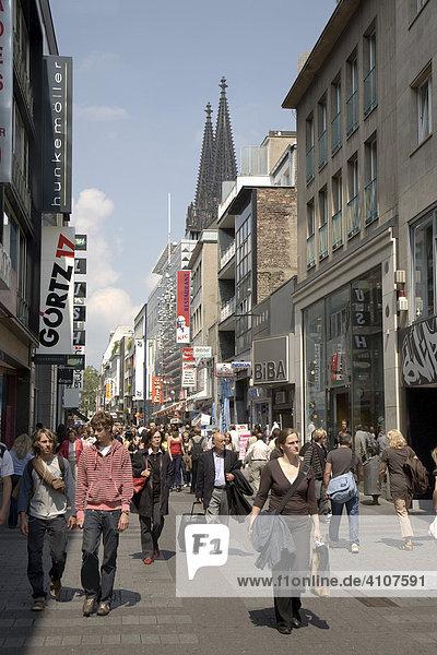 Hohe Straße  Einkaufsstraße  Fußgängerzone  Köln  Nordrhein-Westfalen  Deutschland  Europa