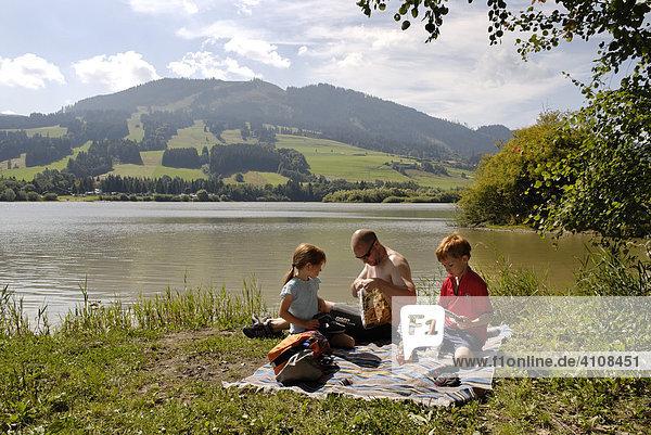 Am Grüntensee im Ostallgäu  Schwaben  Bayern  Deutschland  Europa
