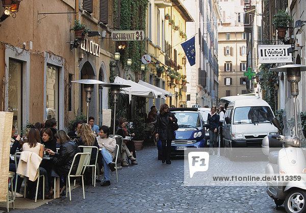 Straßenszene in Rom  Italien