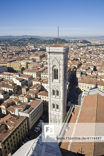 Giottos Glockenturm bei der Santa Maria del Fiore Florenz Toskana Italien