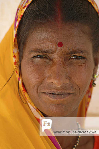Verschleierte Frau  Amber  Rajasthan  Indien