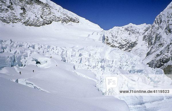 Gletscherbruch des Western Cwm in den Khumbu-Eisfall  ca. 5900m  Mount Everest  Himalaya  Nepal