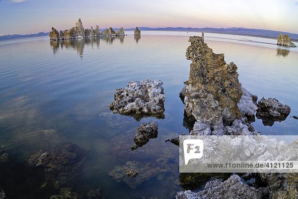 Strange tuff rock formations  Mono Lake (alkaline lake)  Lee Vining  California  USA