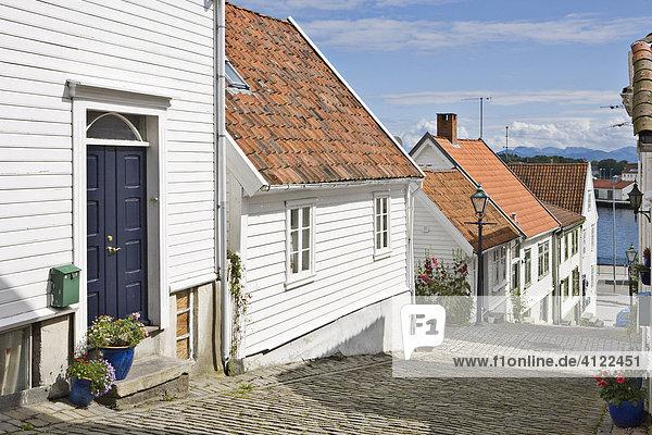 Schöne alte Holzhäuser des Stadteiles Alt Stavanger  Stavanger (Kulturhauptstadt 2008)  Norwegen Holzhäuser