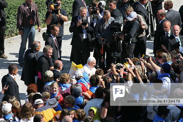 Papstbesuch Benedikt XVI.  Altötting  Oberbayern  Bayern  Deutschland