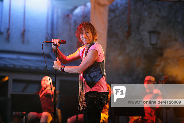 Gianna Nannini performing at a rock concert in Muehldorf am Inn  Upper Bavaria  Bavaria  Germany  Europe