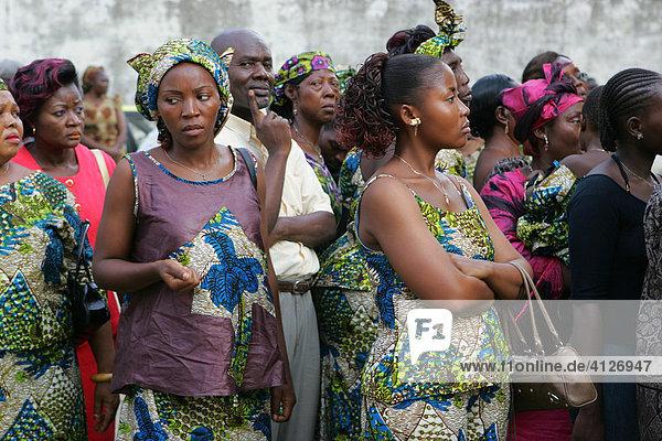 Hochzeitgesellschaft  Douala  Kamerun  Afrika