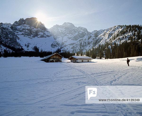 Rhontal  Rhontaler Alm im Winter  Östliche Karwendelspitze  Vogelkarspitze  Karwendel  Tirol  Österreich