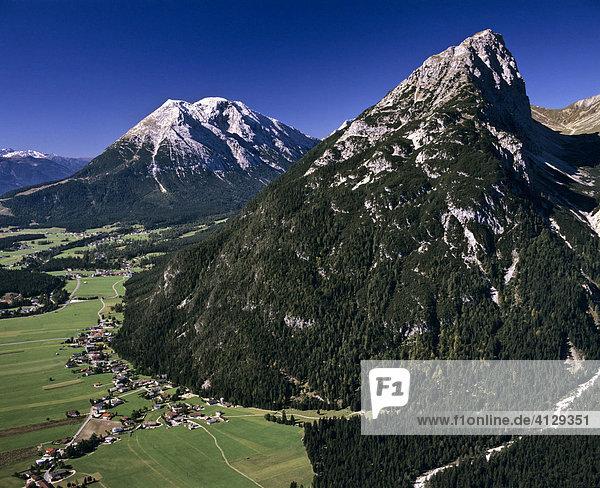 Oberleutasch  Gehrenspitze im Wettersteingebirge  Hohe Munde  Mieminger Kette  Tirol  Österreich