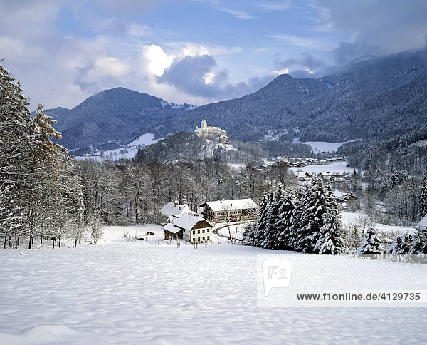 Schloss Hohenaschau  Winter  Aschau  Chiemgau  Oberbayern  Deutschland