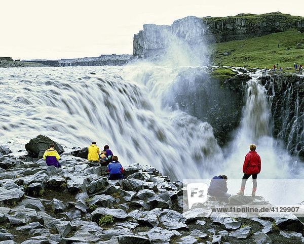Godafoss Waterfall  Skjálfandafljót-Fluss  Thingeyjarsveit  Thingeyjarsysla  Iceland