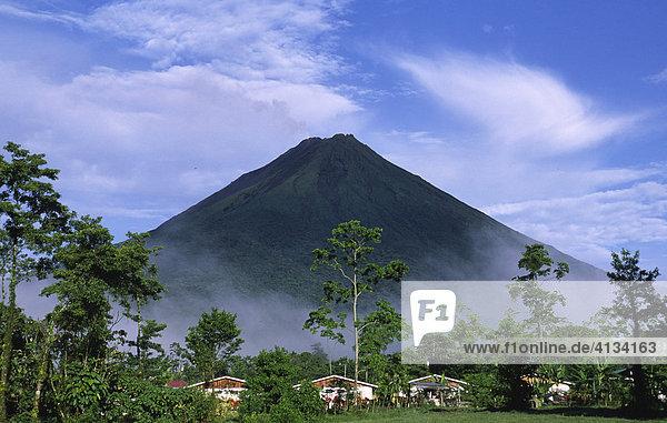 View of the volcano Arenal  close to La Fortuna  Costa Rica  Central America