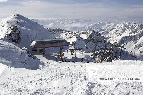 Bergstation der 6er-Sesselbahn Gletscher Jet im Skigebiet Mölltalgletscher  Kärnten  Österreich