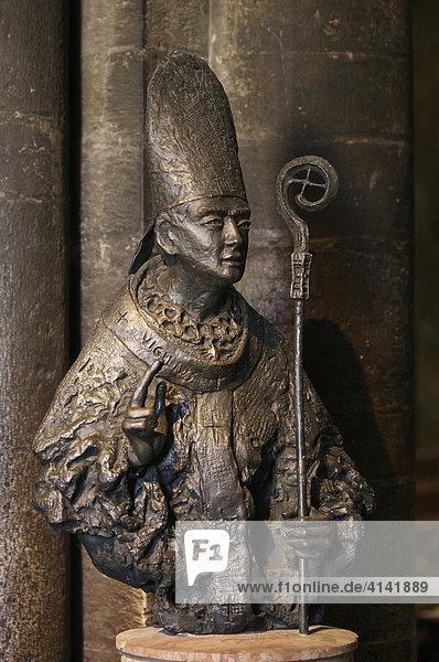 Statue des St. Vigilius im Dom in Trient  Italien