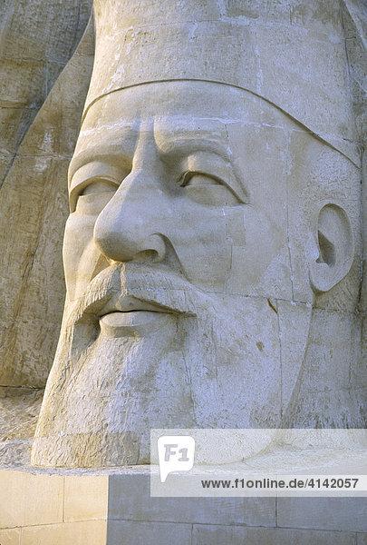 Skulptur des Erzbischof Makarios III. in Paphos  Zypern