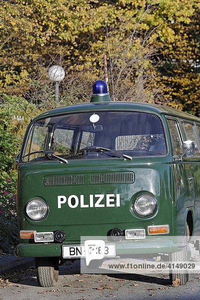 Alter Polizei Mannschaftswagen VW Kombi Typ 23  Baujahr 1967  Bonn  Deutschland Alter Polizei Mannschaftswagen VW Kombi Typ 23, Baujahr 1967, Bonn, Deutschland