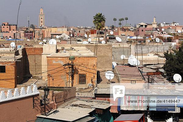 Blick über Souk und Medina Dächer  Marrakesch  Marokko  Afrika