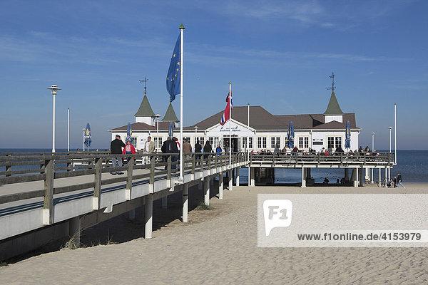 Seebrücke im Kaiserbad Ahlbeck auf Usedom Ahlbeck Mecklenburg-Vorpommern Deutschland
