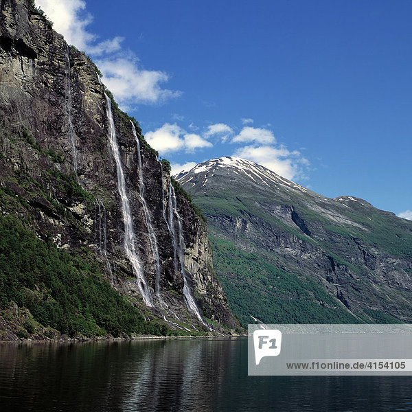 Wasserfälle Die sieben Schwestern  Geirangerfjord  Norwegen