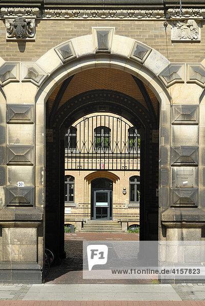 Portal des Gerichtsgebäude - Bremen  Deutschland  Europa.