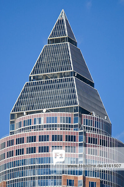 Der Messeturm in Frankfurt  Deutschland.