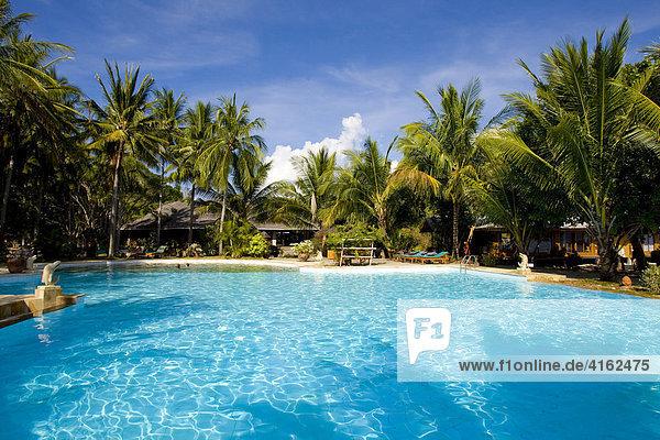 Gangga Island  Pool landschaft  Insel mit einem Hotel im Norden von Sulawesi  Indonesien.