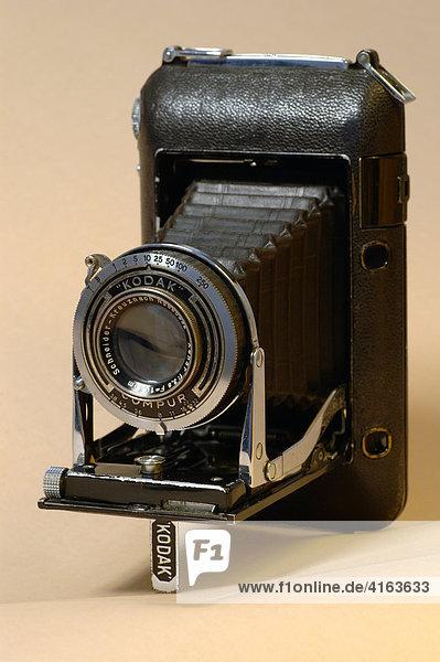 Alter Fotoapparat  Rollfilmkamera