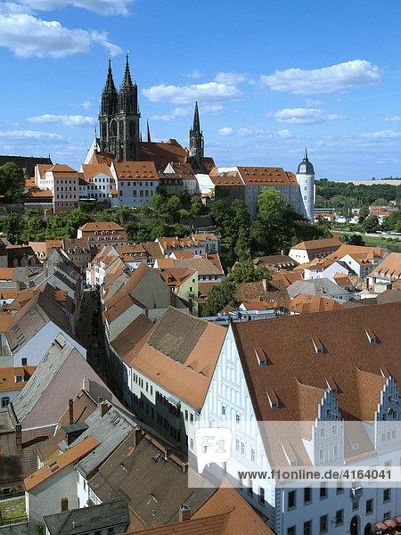 Altstadt von Meißen mit der Albrechtsburg  dem Dom und dem Rathaus  Sachsen
