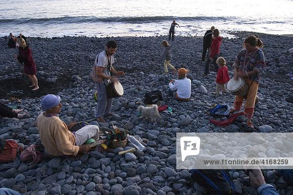 Trommeln zum Sonnenuntergang in La Playa - Valle Gran Rey - La Gomera