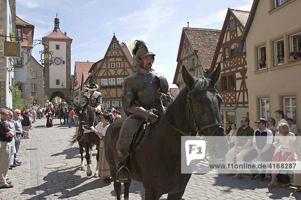 Historischer Heereszug in Rothenburg ob der Tauber - Siebersturm - Mittelfranken