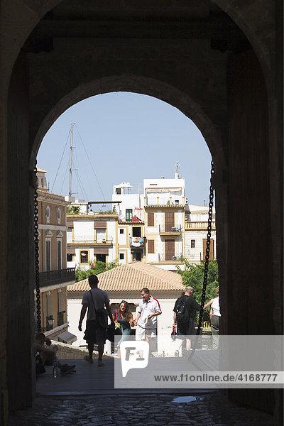 Festungstor zur Altstadt Dalt Vila in Eivissa - Hauptstadt von Ibiza