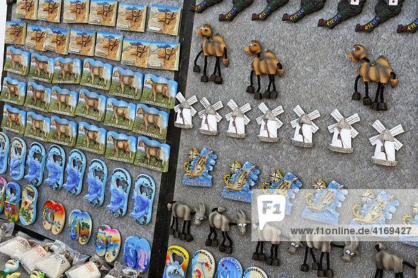 Anstecker auf Markt in Jandia Playa   Fuerteventura   Kanarische Inseln