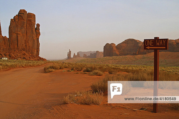 Rundweg durchs Monument Valley in Utah United States of America USA