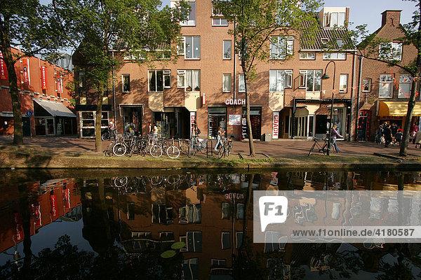 Gracht in Delft   Niederlande