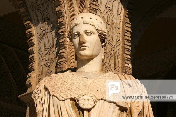 Statue in der Casa de Pilatos Sevilla Andalusien Spanien Europa