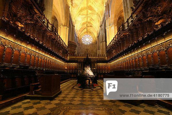 Chor der Kathedrale von Sevilla Andalusien Spanien Europa