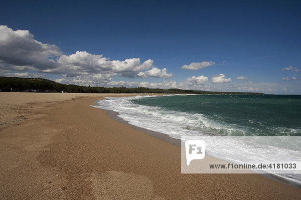 Strand bei Torre di Bari auf Sardinien  Italien