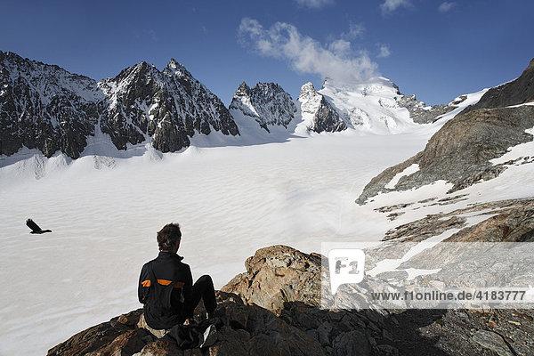 Barre des Ecrins 4.102 m  Glacier Blanc  Provence-Alpes-Cote de Azur  Hautes-Alpes  France