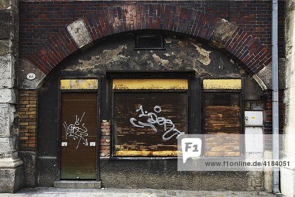 Altes Geschäft in einem Stadtbahnbogen  Wien  Österreich