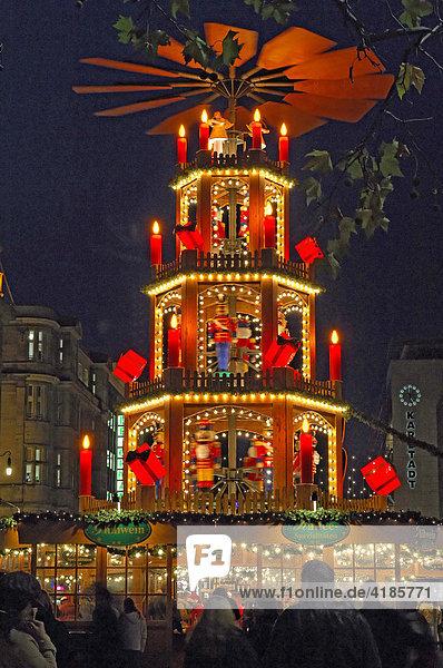 Weihnachtspyramide  Weihnachtsmarkt in Hannover  Niedersachsen  Deutschland Weihnachtspyramide, Weihnachtsmarkt in Hannover, Niedersachsen, Deutschland