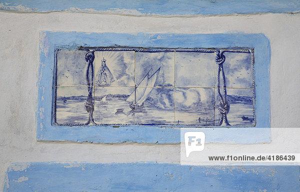 Historisches Azulejo Bild in Ferragudo  Algarve  Portugal Historisches Azulejo Bild in Ferragudo, Algarve, Portugal
