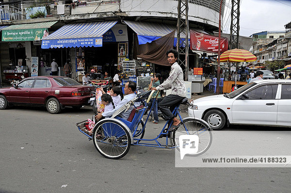 Cyclofahrer  Phnom Penh  Kambodscha  Asien