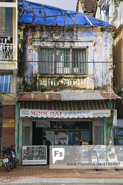 Altes Geschäftshaus in Da Nang  Vietnam  Asien
