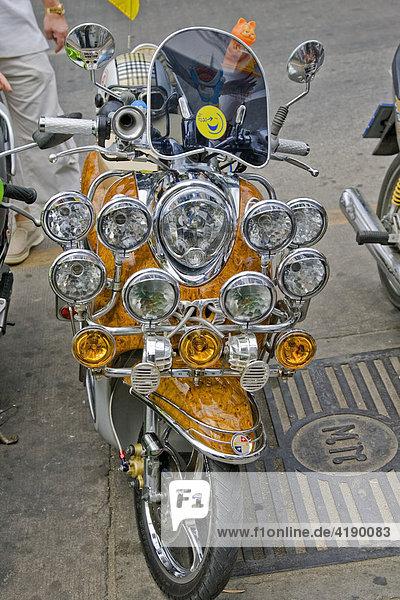 Ein umgebauter Motorroller  Thailand  Asien